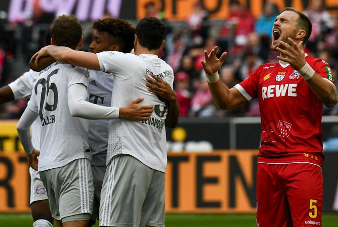 Bayern dẫn 3-0 chỉ sau 12 phút bóng lăn