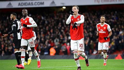 Arsenal xé nát hàng thủ Newcastle bằng màn 'đan lát' 35 đường chuyền