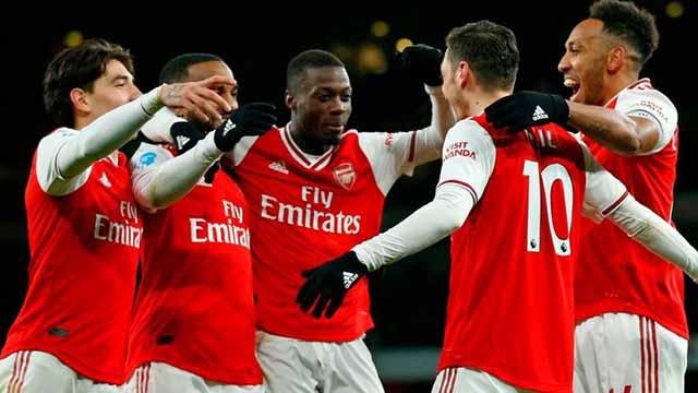 Arsenal là hình mẫu trong sạch của FFP