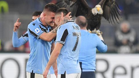 Hạ Inter, Lazio đua Scudetto một cách... vô tư