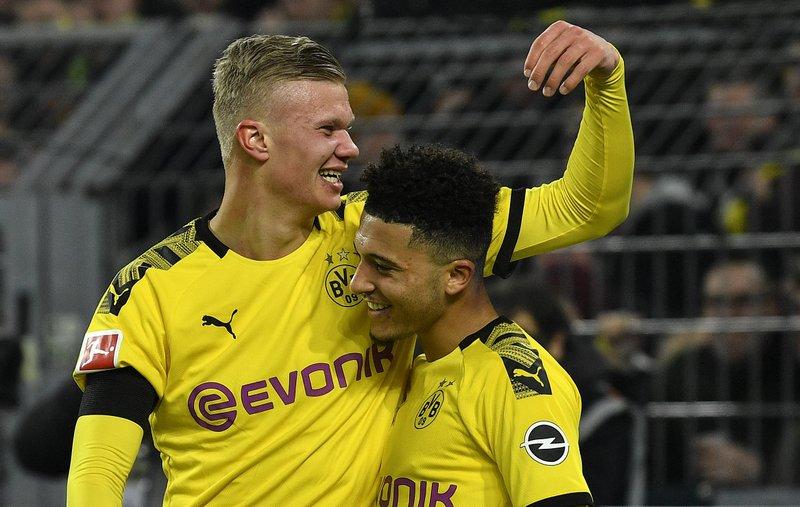Song Mbappe sẽ phải đọ sức với 2 sao mai của Dortmund ở vòng đấu tới