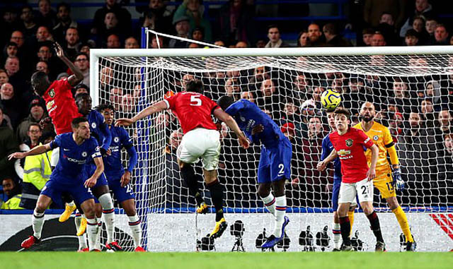 Maguire ghi bàn ấn định chiến thắng 2-0 cho M.U trước Chelsea