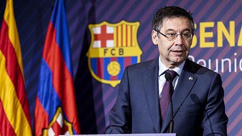 Chủ tịch Barca xuất hiện ở sân tập để xoa dịu scandal nói xấu Messi