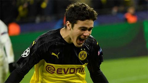 Con trai cựu tiền đạo Man City đi vào lịch sử Champions League cùng Dortmund - xổ số ngày 30112019