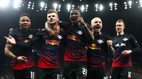 Mourinho thất thủ dưới tay CLB bị ghét nhất nước Đức