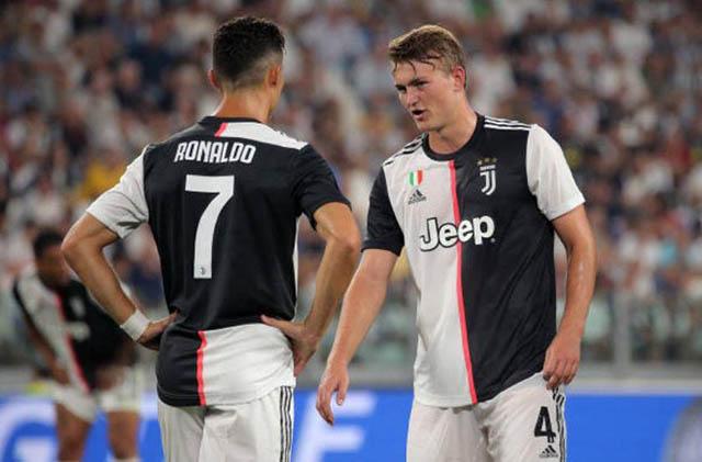 De Ligt bây giờ là đồng đội của Ronaldo ở Juventus