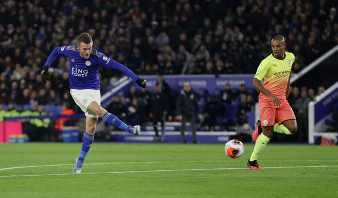 Leicester chơi không tệ trước Man City