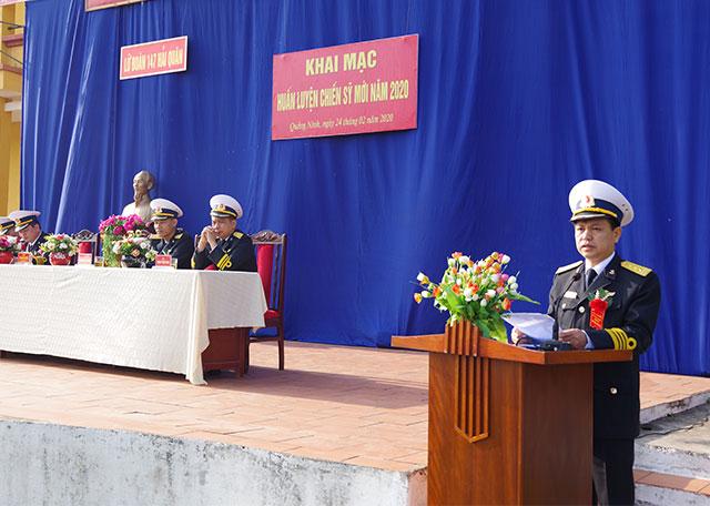 Thượng tá Phạm Kim tuyến, Bí thư Đảng ủy, Chính ủy Lữ đoàn phát biểu trong buổi khai mạc