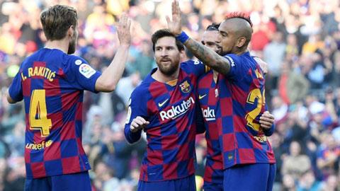 Dù Italia bùng nổ Corona, Messi và dàn sao Barca vẫn ra sân với Napoli