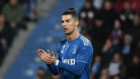 """""""Vua sư tử"""" Batistuta nói kháy khi chứng kiến kỷ lục ghi bàn bị Ronaldo cân bằng"""