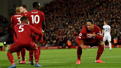 Liverpool cân bằng kỷ lục 18 trận toàn thắng của Man City