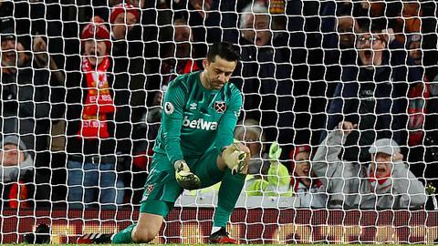 Fabianski là người mang tới may mắn cho Liverpool ở trận này