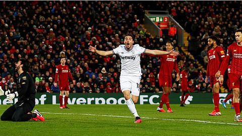 Fornals nâng tỷ số lên 2-1 cho West Ham ở pha dứt điểm đầu tiên sau khi vào sân thay người