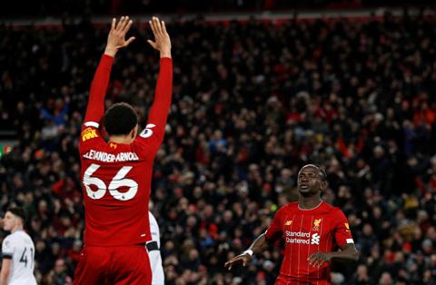 Bằng một cách nào đó, may mắn vẫn mìm cười để giúp Liverpool có chiến thắng