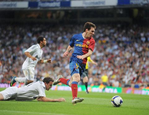 Pep Guardiola chỉ đạo trận Barca vùi dập Real tới 6-2 hôm 2/5/2009