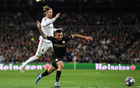 Pha phạm lỗi khiến Ramos nhận thẻ đỏ