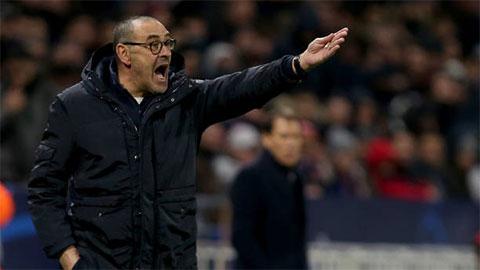 HLV Sarri nổi cơn tam bành sau thất bại của Juventus