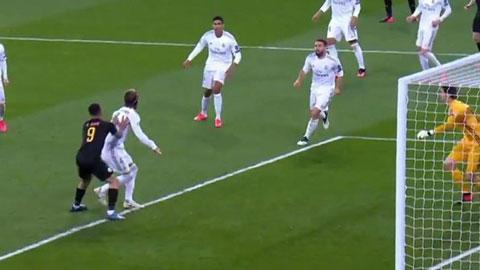 Tranh cãi trận Real 1-2 Man City: Jesus chỉ đặt tay lên lưng Ramos