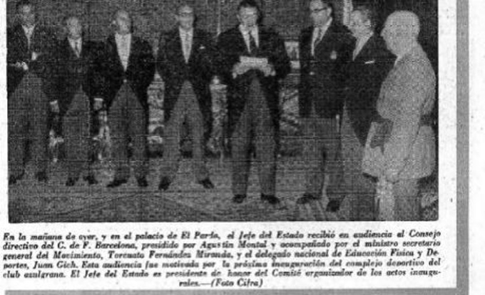 Phái đoàn Barca đến El Pardo tặng kỷ niệm chương 75 năm thành lập đội bóng cho Franco