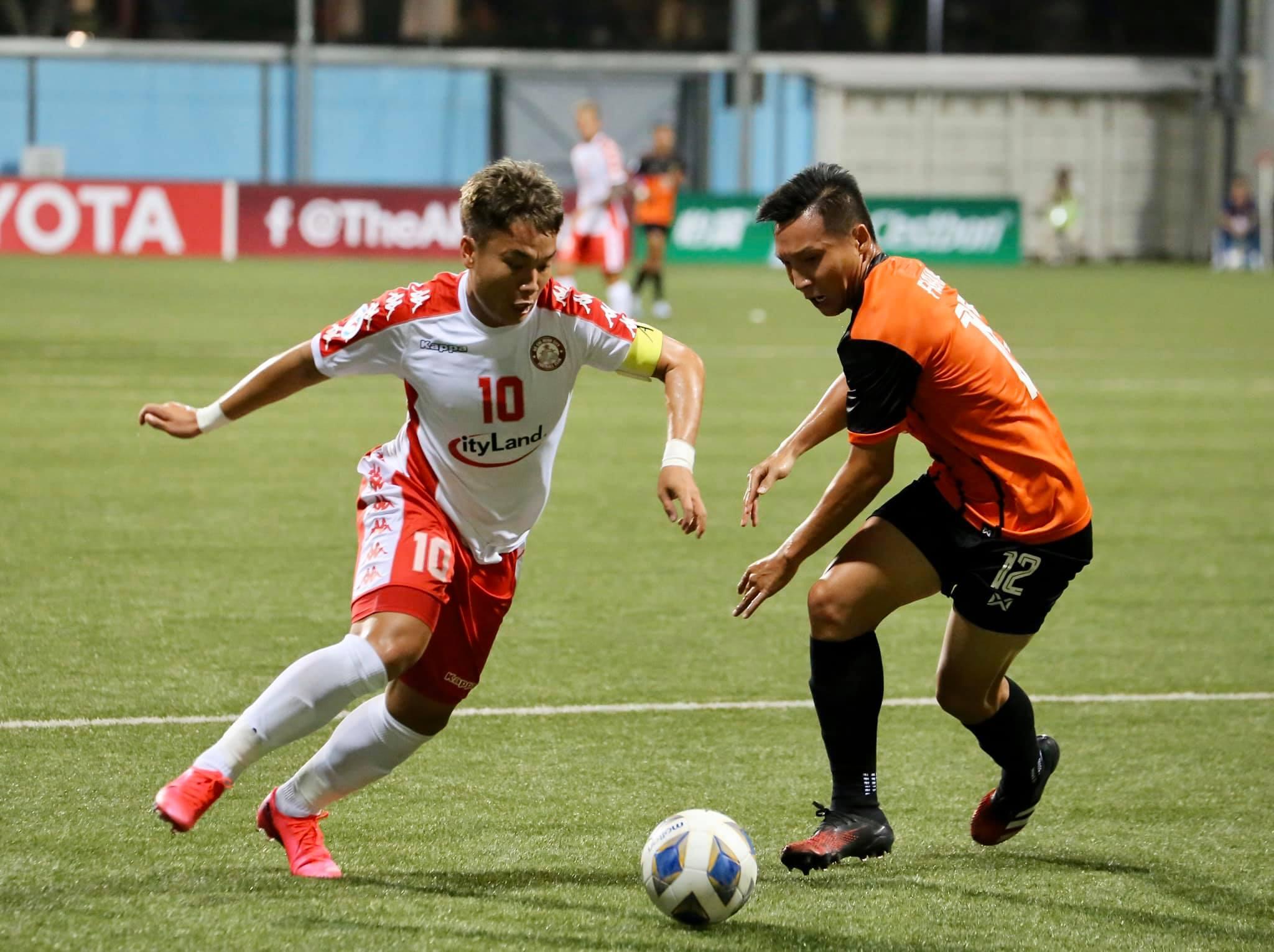 Phi Sơn chơi cực hay trong chiến thắng 3-2 của TP.HCM trước Hougang United ở AFC Cup - Ảnh: TP.HCM