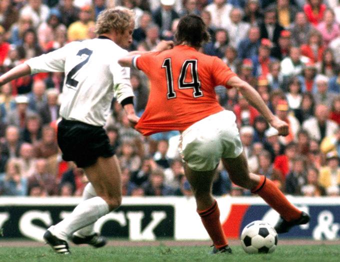 Đức và Hà Lan là hai nền bóng đá với hai hệ tư tưởng đối lập