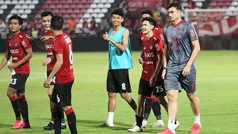Đối thủ của Đặng Văn Lâm lọt vào đội hình tiêu biểu vòng 4 Thai League 2020