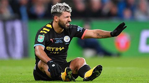 Man City an tâm về cái đầu gối của Aguero