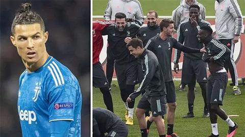 Đáp chuyên cơ thăm mẹ bị đột quỵ, Ronaldo nguy cơ lỡ đại chiến Juve vs Milan