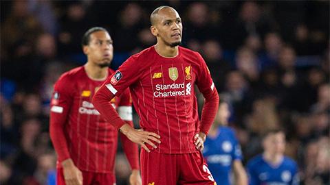 Fan M.U hả hê khi Liverpool hết cơ hội đoạt cú 'ăn ba'