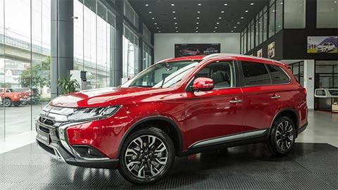 Mitsubishi Triton, Attrage, Outlander, Pajero Sport giảm giá sốc tại Việt Nam