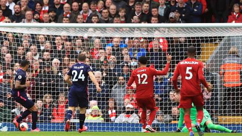 VAR quay lưng với Liverpool ở tình huống Wilson mở tỷ số cho Bournemouth?