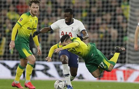 Ndombele bị Mourinho chỉ trích thậm tệ