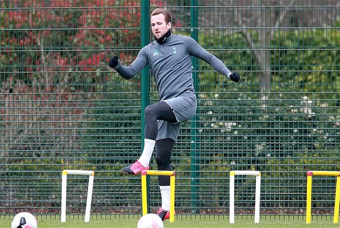 Kane đã trở lại tập luyện