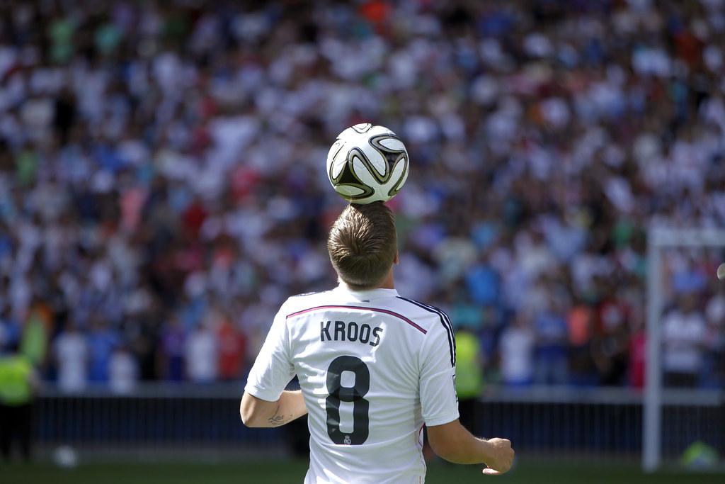 Toni Kroos là một số 8 đáng chú ý của bóng đá Đức
