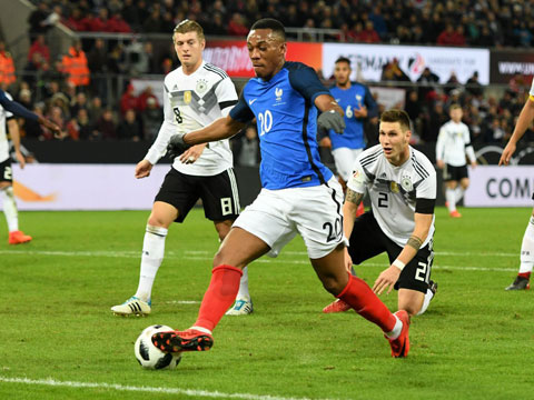 Anthony Martial (số 20) đang rất khát khao được quay trở lại ĐT Pháp để dự EURO 2020