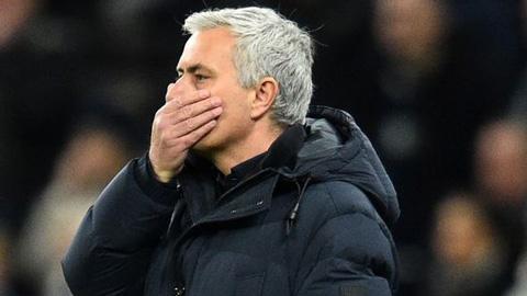 Mourinho không thể dập được dịch cúm gà