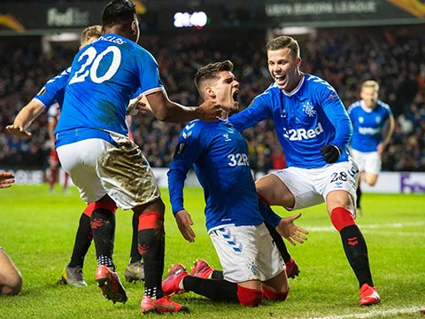 Sân nhà là lợi thế lớn của Rangers