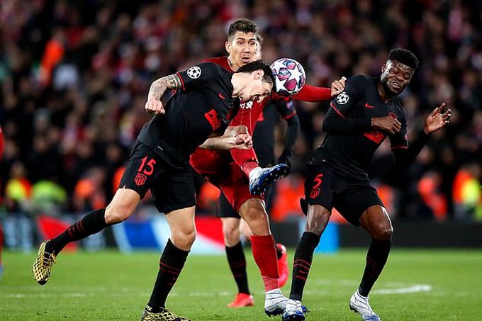 Atletico không phòng ngự kín kẽ như lượt đi nhưng sự xuất sắc của Oblak đủ để họ đi tiếp
