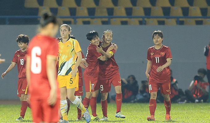 Dù thất bại 1-2 trên sân nhà (tổng tỷ số 1-7), nhưng các cô gái Việt Nam có thể ngẩng cao đầu rời giải khi có được bàn thắng lịch sử vào lưới đội bóng đứng thứ 1 châu Á và số 7 thế giới