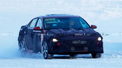 Hyundai Elantra 2021 đẹp mê ly, khiến Mazda 3, Kia Cerato 'đứng ngồi không yên'