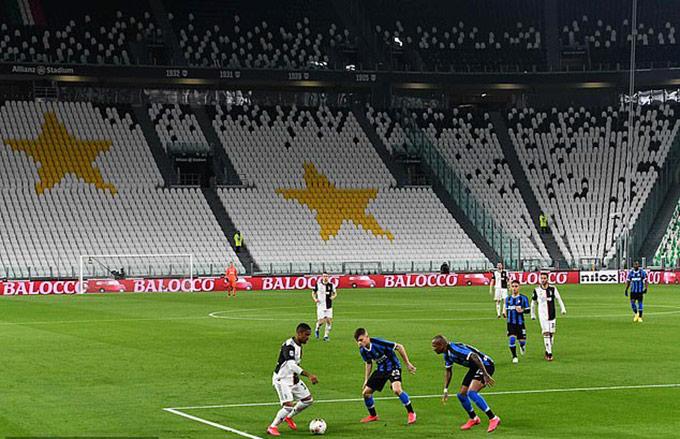 Các trận đấu tại giải VĐQG châu Âu, cúp Châu Âu diễn ra không khán giả