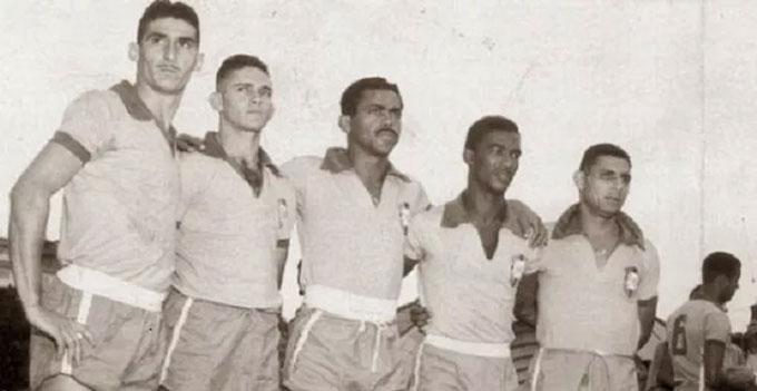ĐT Brazil trở lại Maracana trong màu áo vàng xanh vào ngày 14/3/1954