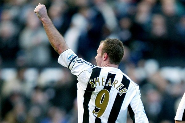 Alan Shearer là số 9 vĩ đại, và chân sút huyền thoại của Newcastle và ĐT Anh
