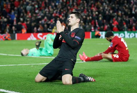 Alvaro Morata ăn mừng bàn thắng vào lưới Liverpool hôm 12/3