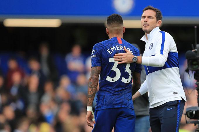 Lampard không hài lòng với vị trí hậu vệ trái của Chelsea