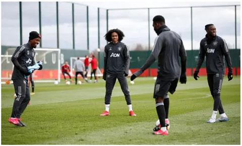 Man United vẫn tập luyện bình thường