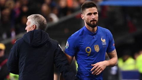 Khi EURO dời sang năm sau, Giroud (phải) sẽ 34 tuổi và chưa chắc giữ được phong độ