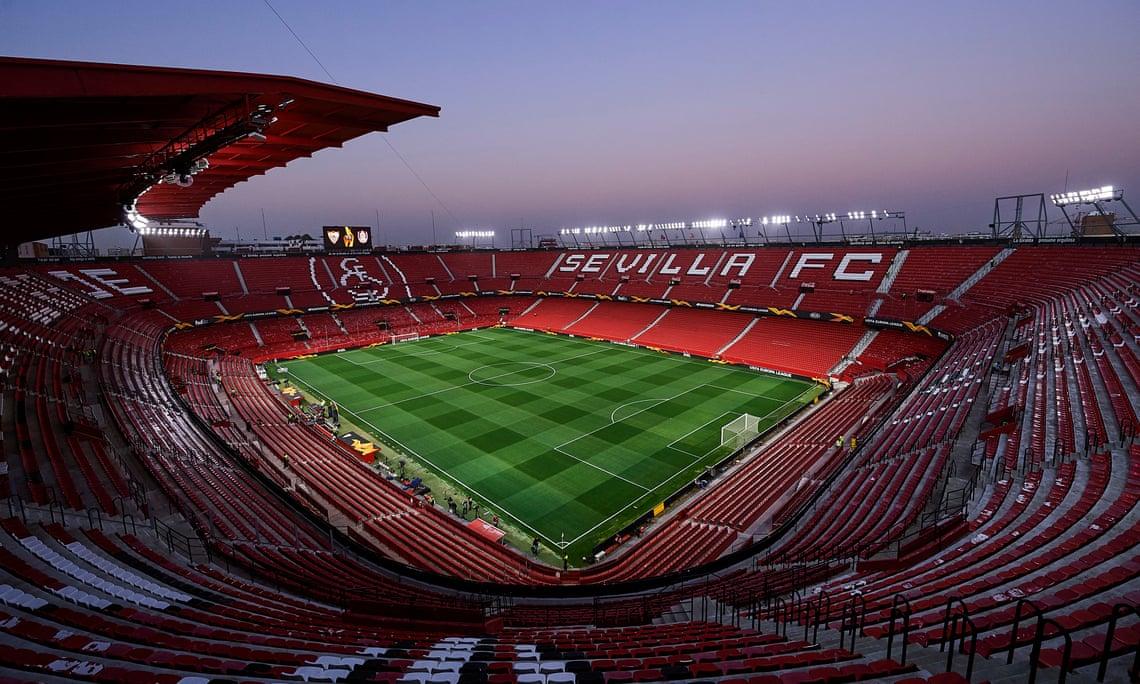 Sân bóng nơi phải diễn ra trận derby Seville nhưng đã bị khoá chặt