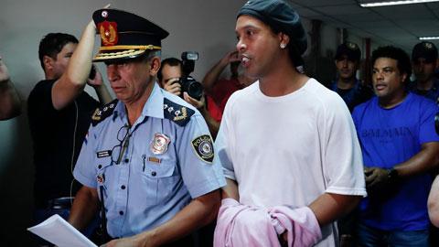 Ronaldinho & tuổi 40 của tù nhân 194