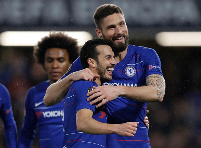 Willian, Pedro và Giroud sắp hết hợp đồng với Chelsea